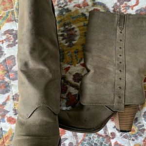 MIA size 8 calf height boot taupe/gray